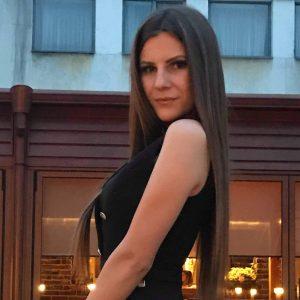 Мария Младенова